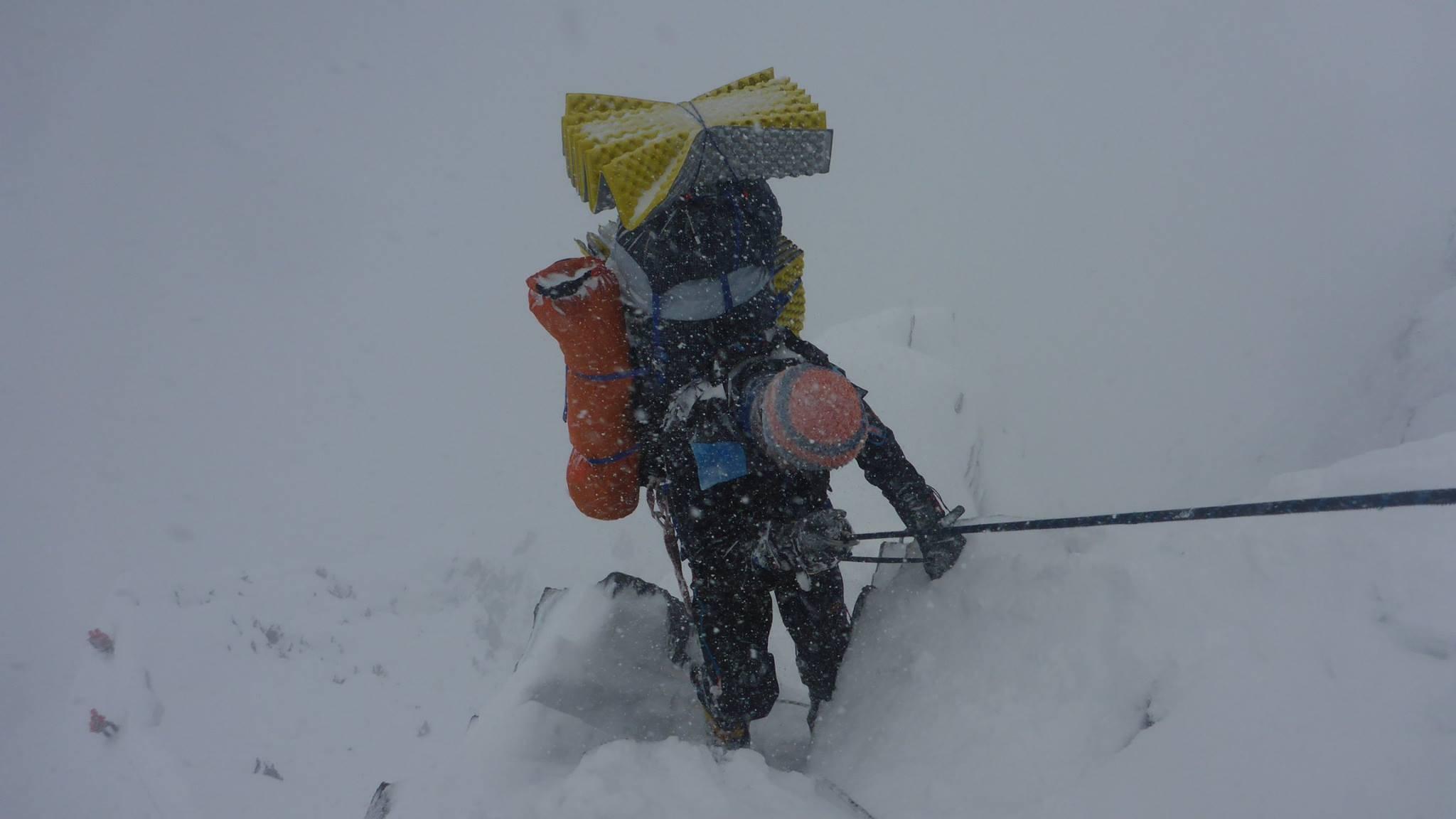 Florian Grasel beim Abstieg vom Khan Tengri