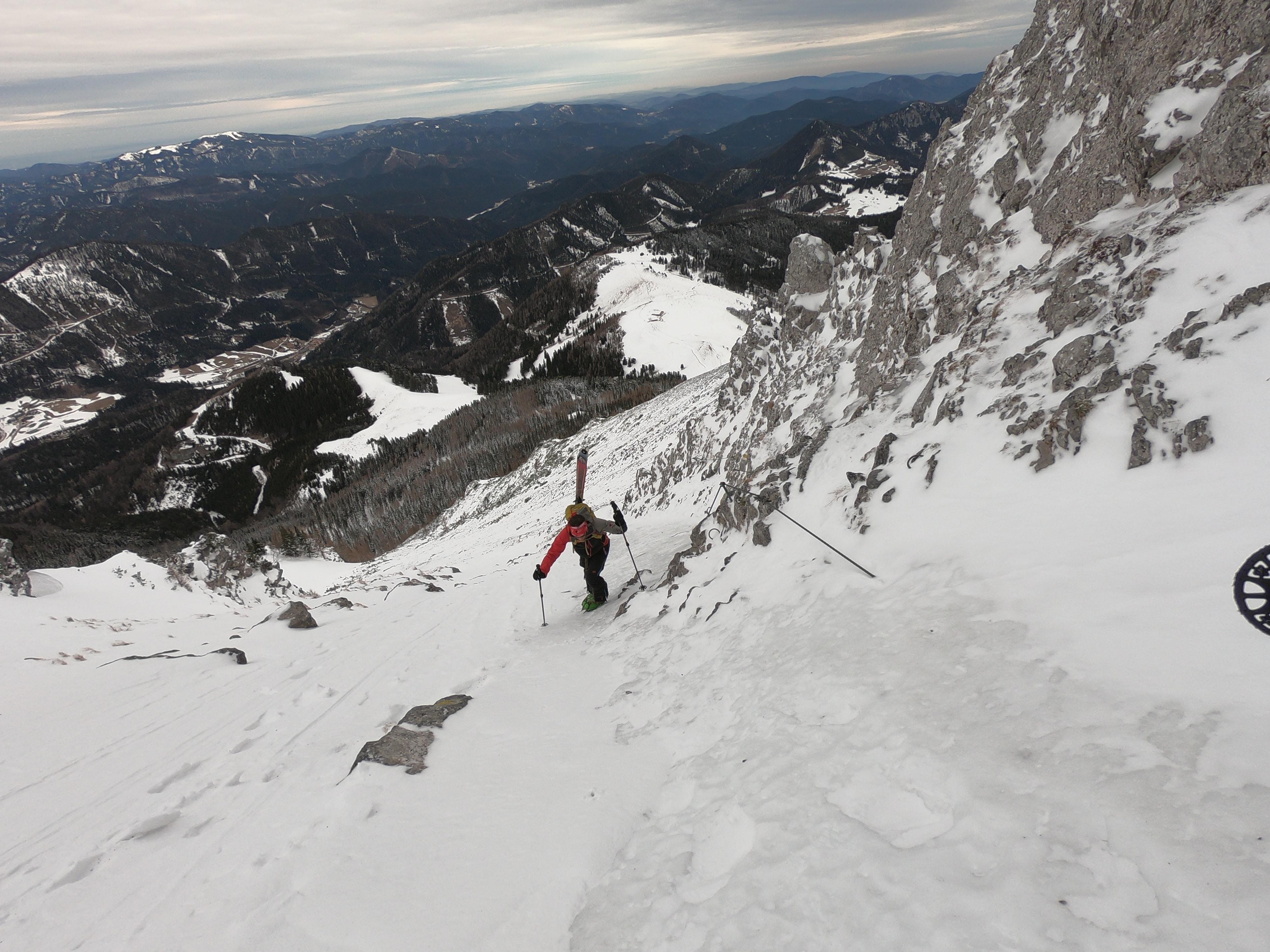 vereister Fadensteig am Schneeberg - Steigeisen ein Muss