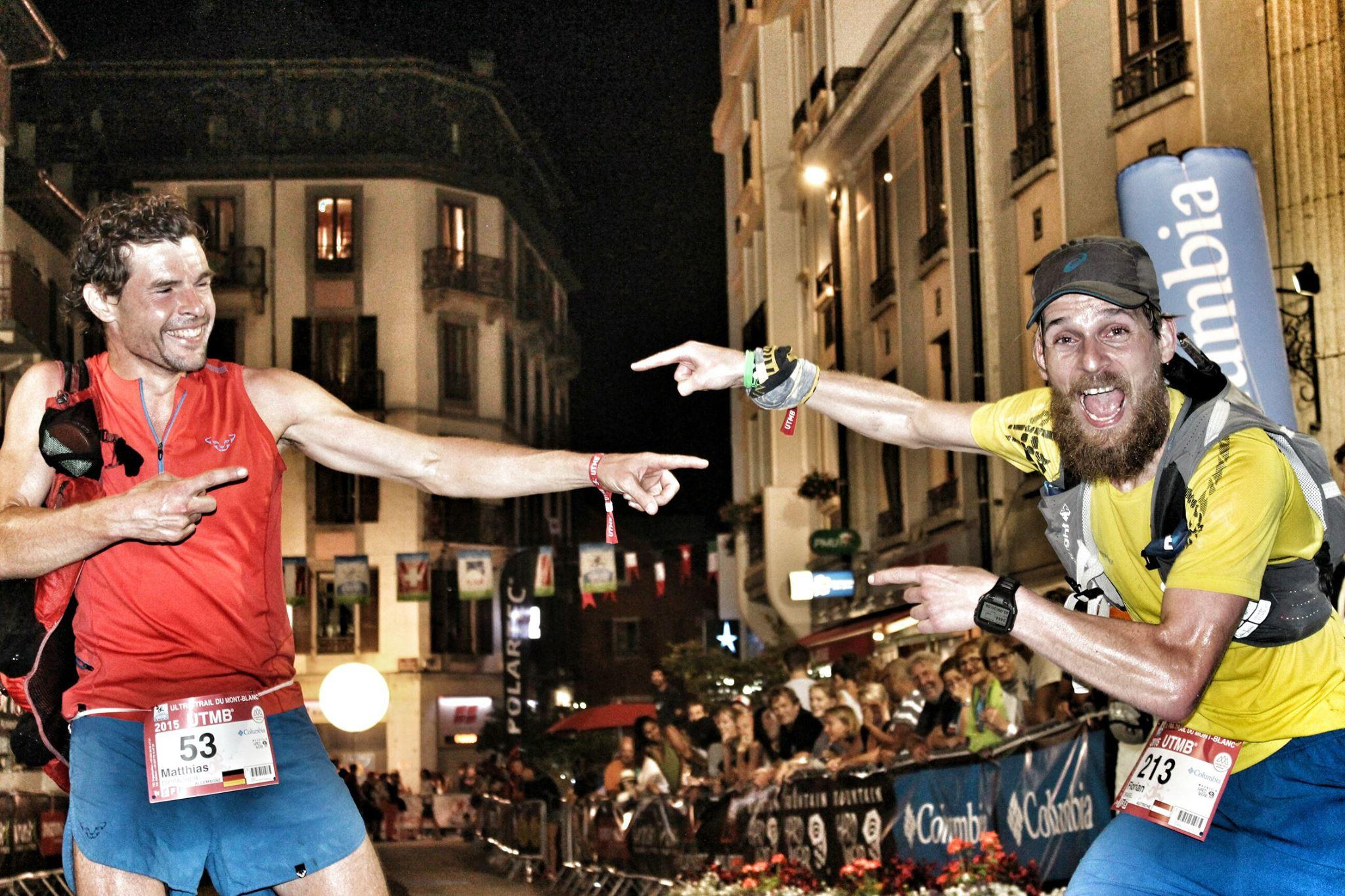 Florian Grasel und Matthias Dippacher nach dem Zieleinlauf beim UTMB
