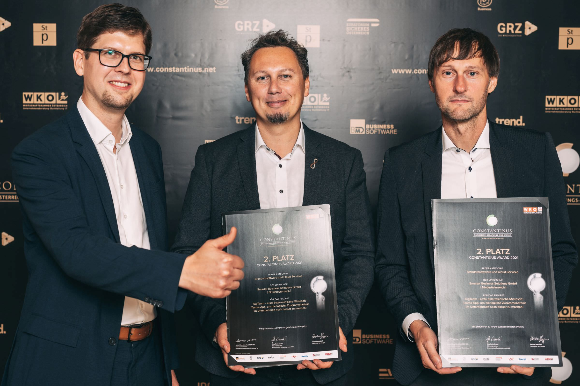 Many thanks to Mag. Erwin Kraxner (right) and Gernot Zangl (middle) from ÖBB, who represented us as customers at the award ceremony.